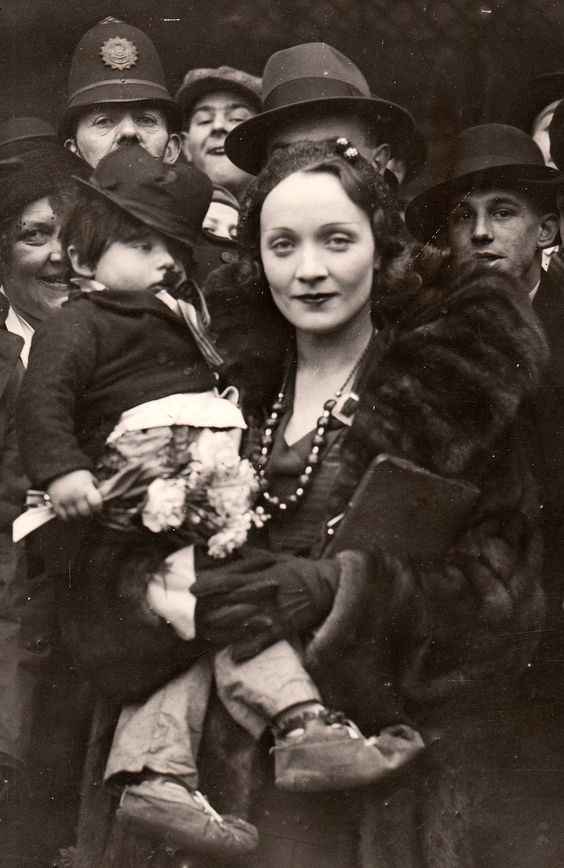 1930. Marlene Dietrich, in London where she attended the presentation of her film 'Morocco at the Carlton Theatre.: