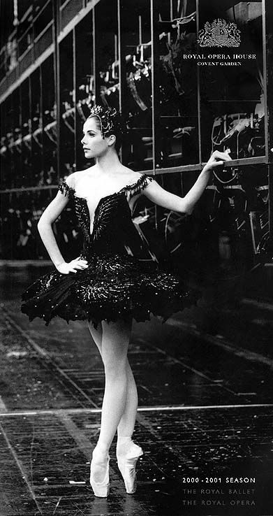 Darcey Bussell backstage at the Royal Opera House....i would love to go see this