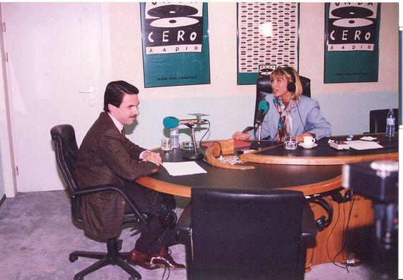 Julia Otero entrevista a José María Aznar, entonces líder de la oposición.Temporada 1993-1994.