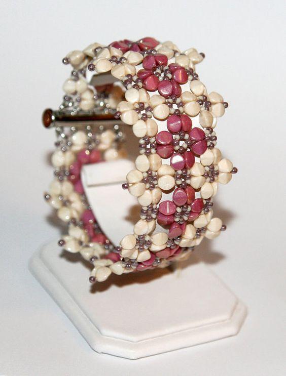 Raya beaded bracelet PDF pattern от Ewagyongyosvilaga на Etsy