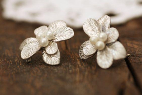 mistletoe earrings!
