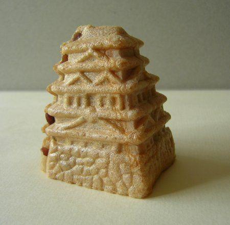 もなかシリーズ第4弾は「八王子城もなか」。 お城の形がちゃんとできているのが魅力的。 食べてしまうのがもったいない一品です。 甘すぎないつぶあん...
