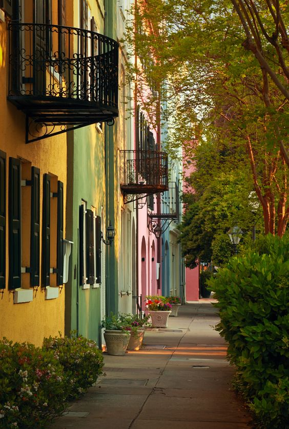 Rainbow Row, Charleston, South Carolina....Been there n just loved it.... So beautiful n serene!!