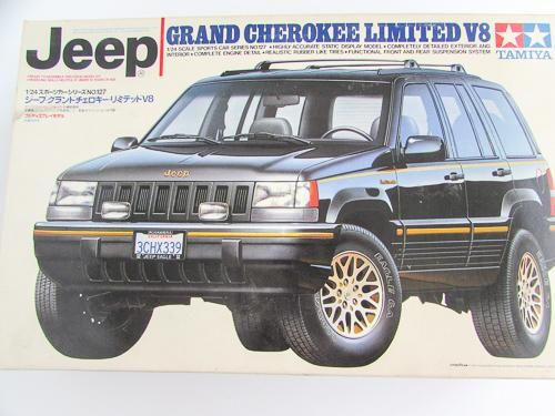 Jeep Grand Cherokee Limited V8 1 24 Plastic Model Kit Tamiya 24127