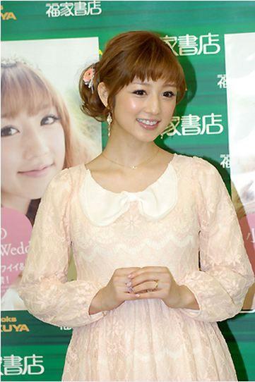 前髪が短めな小倉優子