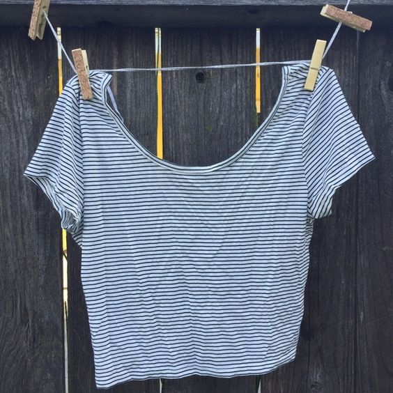 NEW! American Eagle Outfitters Crop Top, size XS Grey and white striped baby doll crop top from American Eagle Outfitters. Size XS, but can fit up to a M. Brand new, never worn. Scoop neck and low scoop back. American Eagle Outfitters Tops Crop Tops