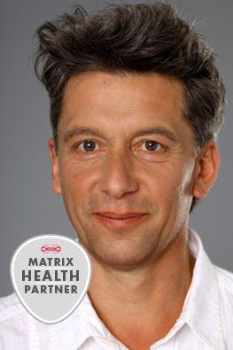 »Die Matrix-Rhythmus-Therapie ist eine äußerst effiziente Methode der Muskelentspannung mit Langzeitwirkung« Thomas Rogall, Physiotherapeut und med. Masseur, Matrix Health Partner