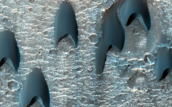 Disso Voce Sabia - Extraterrestres: Que diabos são essas estranhas formações em Marte?...