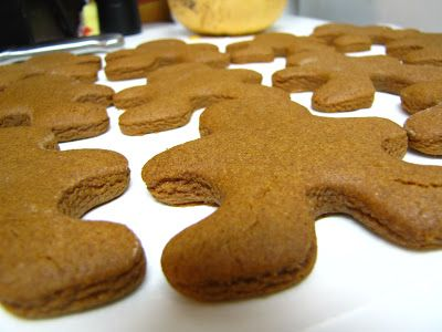Recipe: The Best Gingerbread Cookie Men EVER | Kindred Spirit Mommy