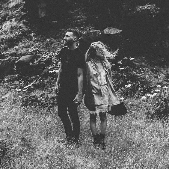 Oregon lovers shot by Erinwheat Photography