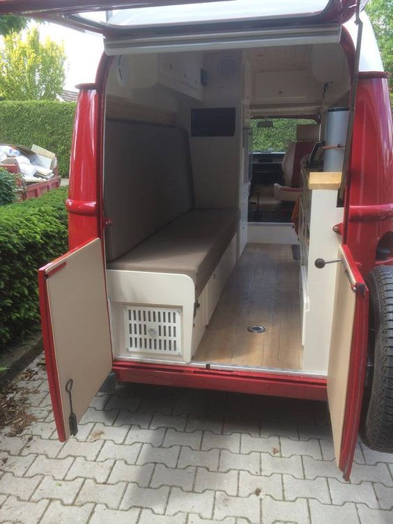 Renault estafette conversion to camper van estafette for Interieur estafette