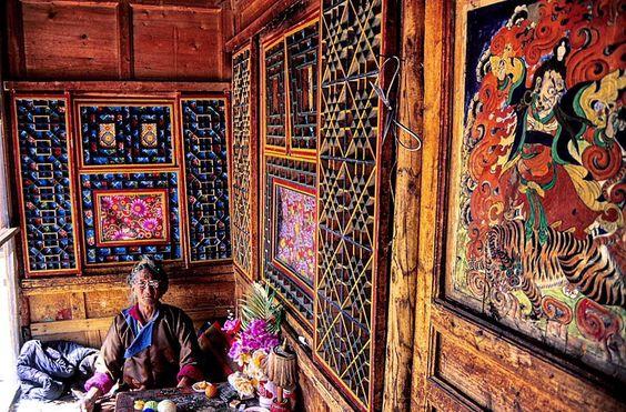 Dzogchen practitioner of Nyingma Tradition in her beautiful Tibetan home. . . . #mypixeldiary #travelphotography #photojournalism…