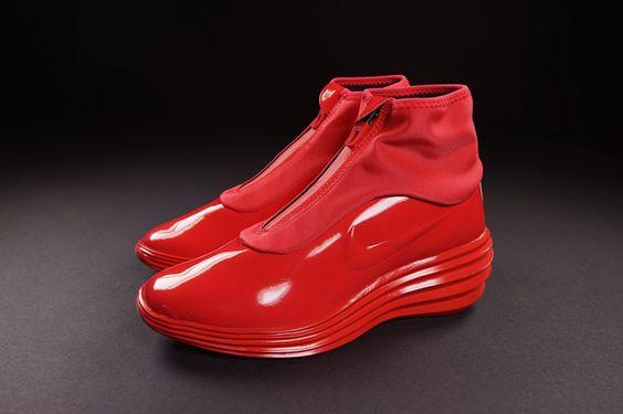 NIKE WMNS LUNARELITE SKY HI SNEAKERBOOT (ACTION RED)   Sneaker Freaker