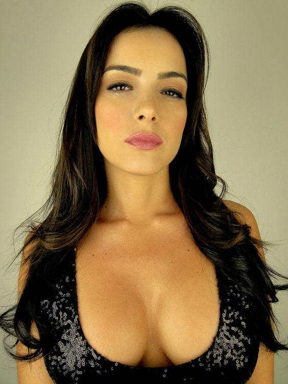 Daniella Navarro Nude Photos 24