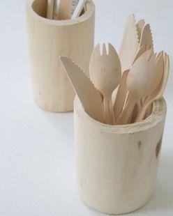 Pot en bois taillé dans la masse