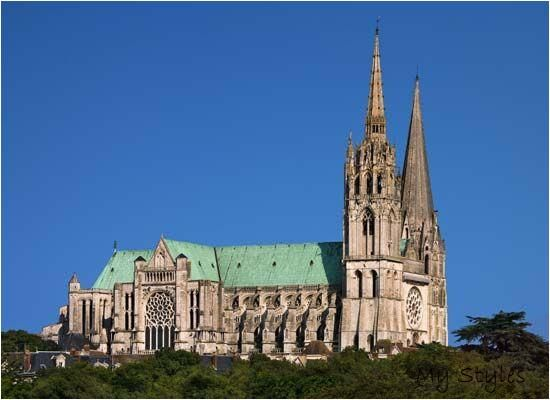 Gothic Architecture Characteristics Examples Facts Residential Architectur In 2020 Gothic Architecture Characteristics Cathedral Architecture Gothic Cathedrals