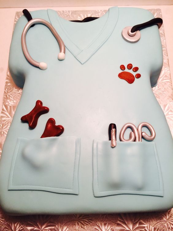 Ohhhh I want this when I graduate!! Cute vet scrubs cake. As long as it's not fondit
