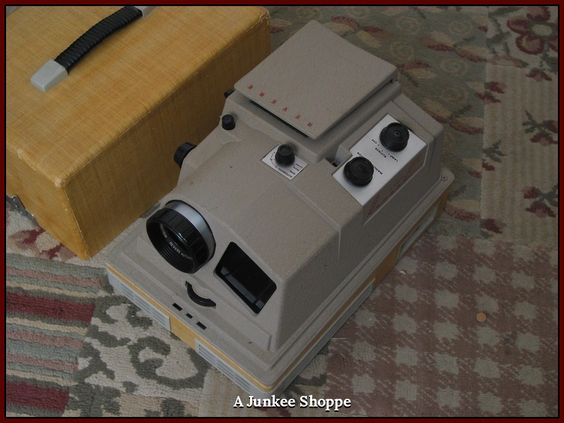 REVERE 1955 P 888 Automatic 35mm Vintage Self Operating Slide Projector Used  IMG 2464   http://ajunkeeshoppe.blogspot.com/