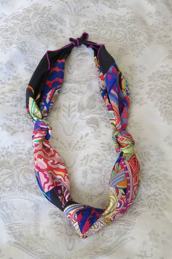 How to wear a scarf in warm weather?  Tie a silk necklace / The Vivienne Files: