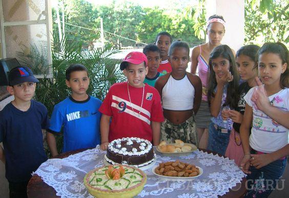 Tradiciones y costumbres de los cumpleaños cubanos. #fiesta #niños… http://www.cubanos.guru/tradiciones-costumbres-los-cumpleanos-cubanos/