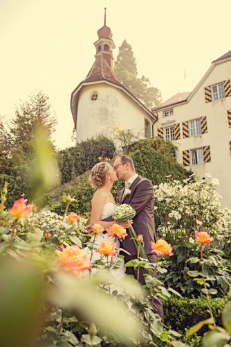 Hochzeit auf Schloss Heidegg Luzern in den Rosen Alexandra Rätzer-Graf : Fotografin  Wedding Castel Roses Switzerland photographer