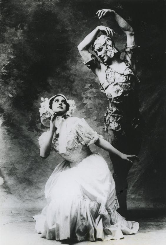 Vaslav Nijinski & Tamara Karsavina in Le Spectre de la Rose, 1911