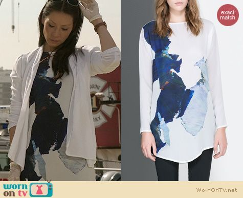 Joan's white abstract printed top on Elementary.  Outfit Details: https://wornontv.net/22625/ #Elementary