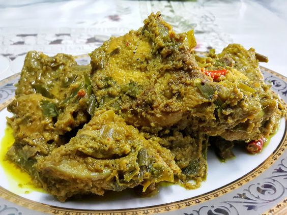 The Negeri Sembilan Version Of Rendang Which Is Cooked In Minangkabau Style Is Different In The Sense That Spices Are Seldom Use Food Pork Gravy Braised Pork