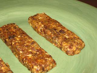 Crumbs and Chaos: Peanut Butter Cookie Larabar: Butter Larabars, Desserts Bars, Homemade Larabars, Cookies Bars, Granola Bars, Brownies Bars, Cookie Larabar, Dfbpeanut Butter