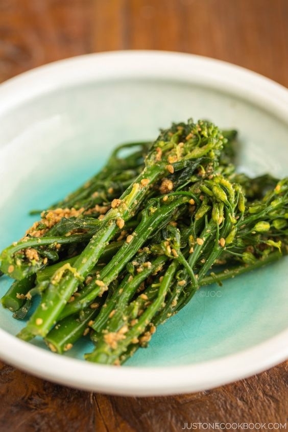Broccolini in Sesame Sauce (Broccolini Gomaae) | Easy Japanese Recipes at JustOneCookbook.com