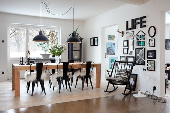love this white & black dining room.