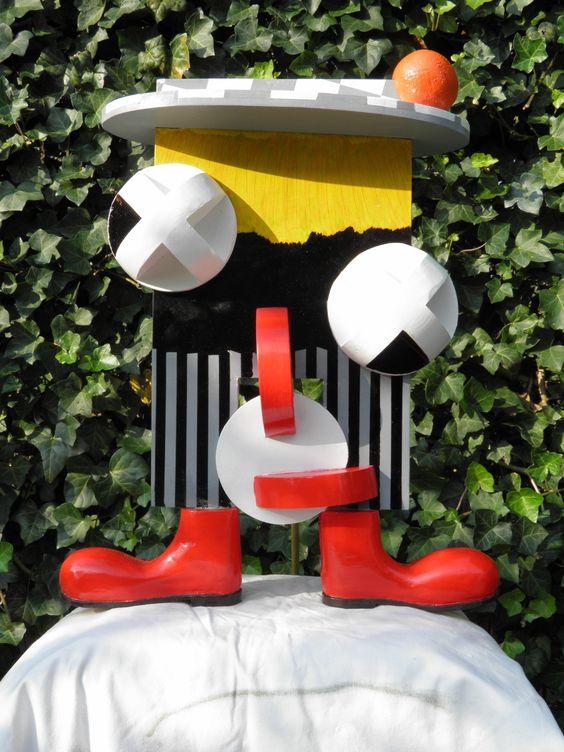 """""""De clown"""",  materiaal: geverfd hout,  oktober 2011."""