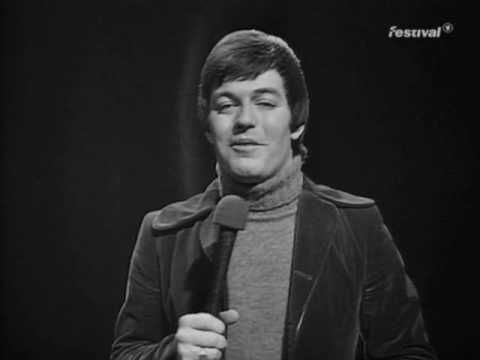 """B J Thomas - """"Raindrops Keep Falling On My Head"""", TOTP (Top of the Pops) 5-2-1970."""