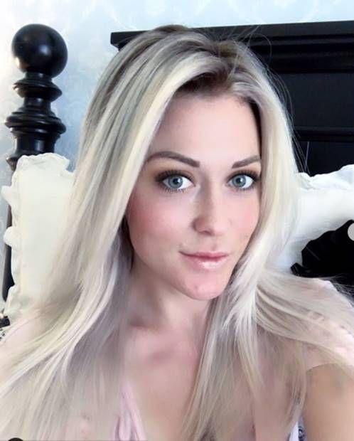 درجات لون صبغة اومبري بلاتيني اشقر الطريقة و الاسعار و الالوان Ombrehair Hairstyles Haircolor Haircoloring Hairco Ombre Hair Color Ombre Hair Hair Color