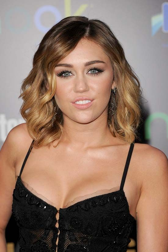 Miley Cyrus Shoulder Length Curly Hairstyles Miley Cyrus Hair Miley Cyrus Cool Hairstyles