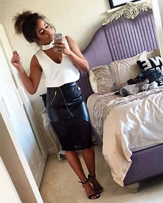 ✨ Outfit Inspiration via @coco__black who teamed our Luna Choker top & Baxter skirt  - Our Choker tops & Baxter skirt are available in both Black and White  - Shop: www.hazelandthief.com.au - - #HazelandThief #Choker #chokertop #chokertrend #leatherskirt #leather #blackandwhite #inspo #mesh #melbourne #MelbourneBoutique #Boutique #celeb #style #fashion #Fblogger #blogger #ootd #ootn #weekend #fashionbloggers #collab: