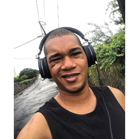 Footing ce matin et c'est quand j'ai fini qu'il fait beau  Maintenant au boulot !  #Maranz #MyLife ##team974 #musicproducer  #soundengineer #mixingengineer #model #lovely #focal #footing #sport #photographer #photooftheday #photogrid #smile #rainyday #covers #up #iledelareunion #morning #goodmorning #instagram #instagrammers by maranz_music