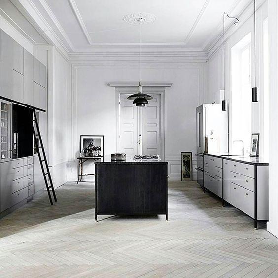 // w h i t e // How amazing is this kitchen? #goals Regram @eklundstockholmnewyork