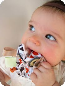 homemade by jill: crinkly owl teethers