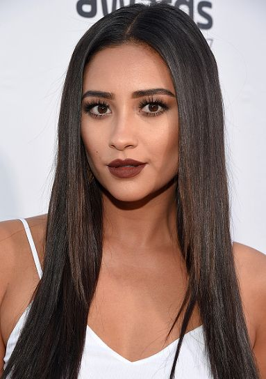 Shay Mitchell attends VH1's 5th Annual Streamy Awards at the Hollywood Palladium on Thursday, September 17, 2015 in Los Angeles, California.: