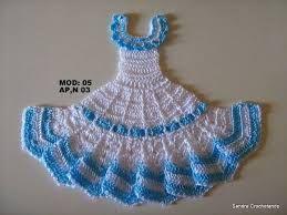 Resultado de imagem para vestidinho de boneca em croche