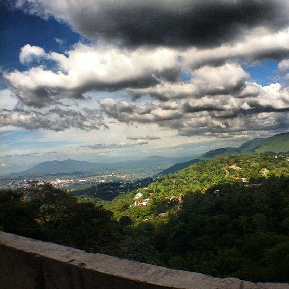 Vista desde calle nueva hacia Planes de Renderos.