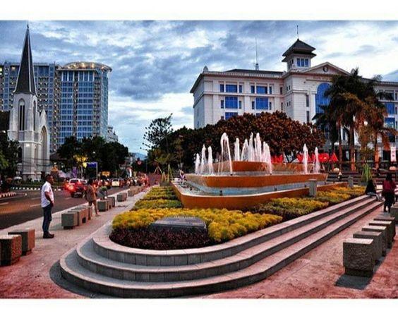 Padma Hotel Bandung Ini Salah Satu Mewah Di Alamat Lokasi Ciumbuleuit Anda Bisa Booking Untuk Pesan Kamar