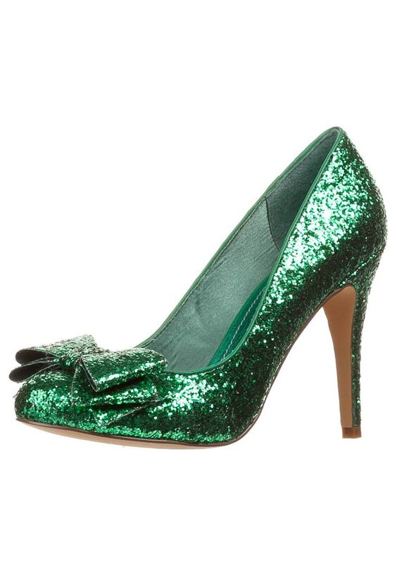 Emerald city green sparklers- I want these shoes to go with my dress! #disneyozevent