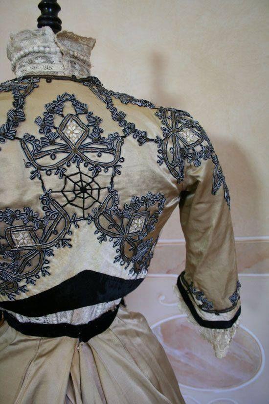 Close up of embroidery details on the amazing bolero of a 1907 Edwardian ensemble from Abiti Antichi