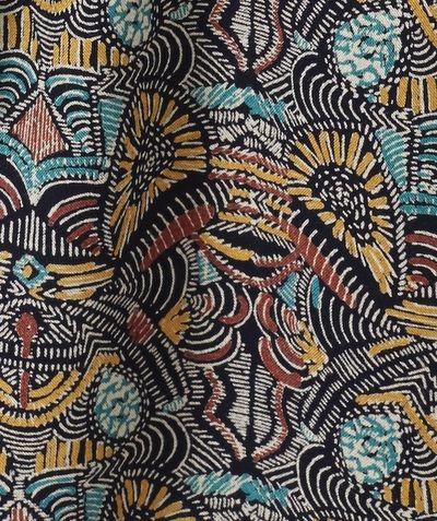 LA ROBE CLEMENTINE :                     Une robe stylée avec imprimé ethnique et son nœud, on craque totalement !            LA ROBE IMPRIMÉE ETHNIQUE, col rond, mancherons à revers, ouverture par zippe, nœud.