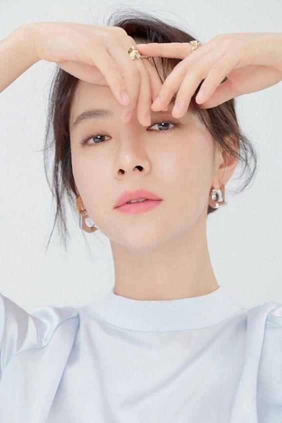 Artis Korea Tercantik Song Ji Hyo