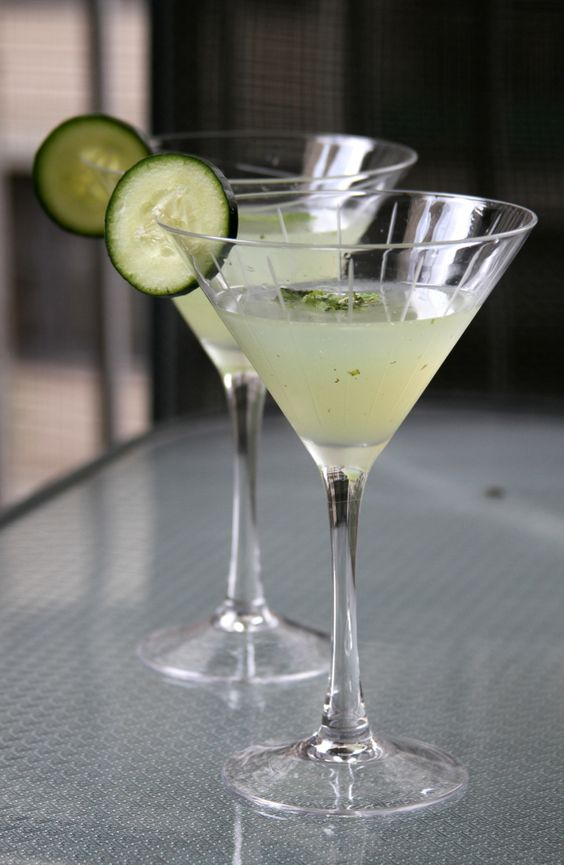 Cucumber mint martini can make with vodka or gin for Best gin for martini recipes