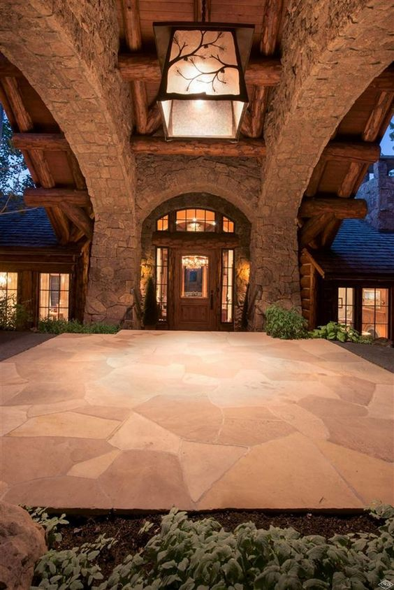 Dream House: Spectacular Colorado Mountain Log Home (24 Photos)  - Spectacular home with timeless perfection exuding from this mountain estate. Privacy and views in a spectacular setting with pool, hot tub, fire pit. ...