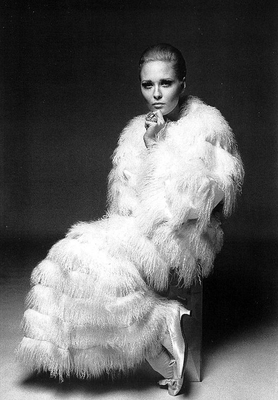 Faye Dunaway, photo by Francesco Scavullo, 1968
